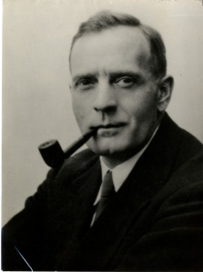 Photo portrait of EDWIN HUBBLE with pipe ©